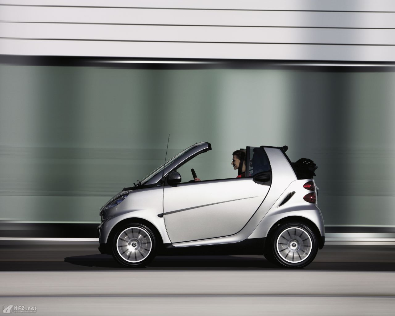 smart-fortwo-1280x1024-10