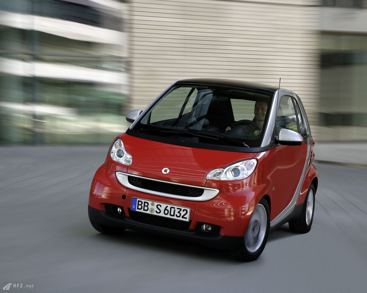 smart-fortwo-1280x1024-11
