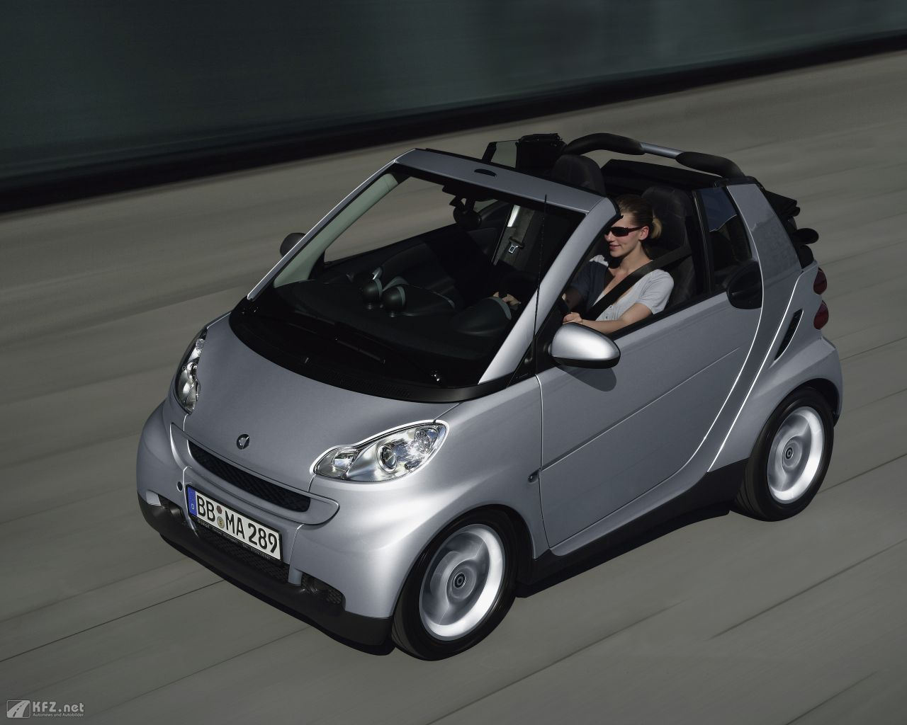 smart-fortwo-1280x1024-13