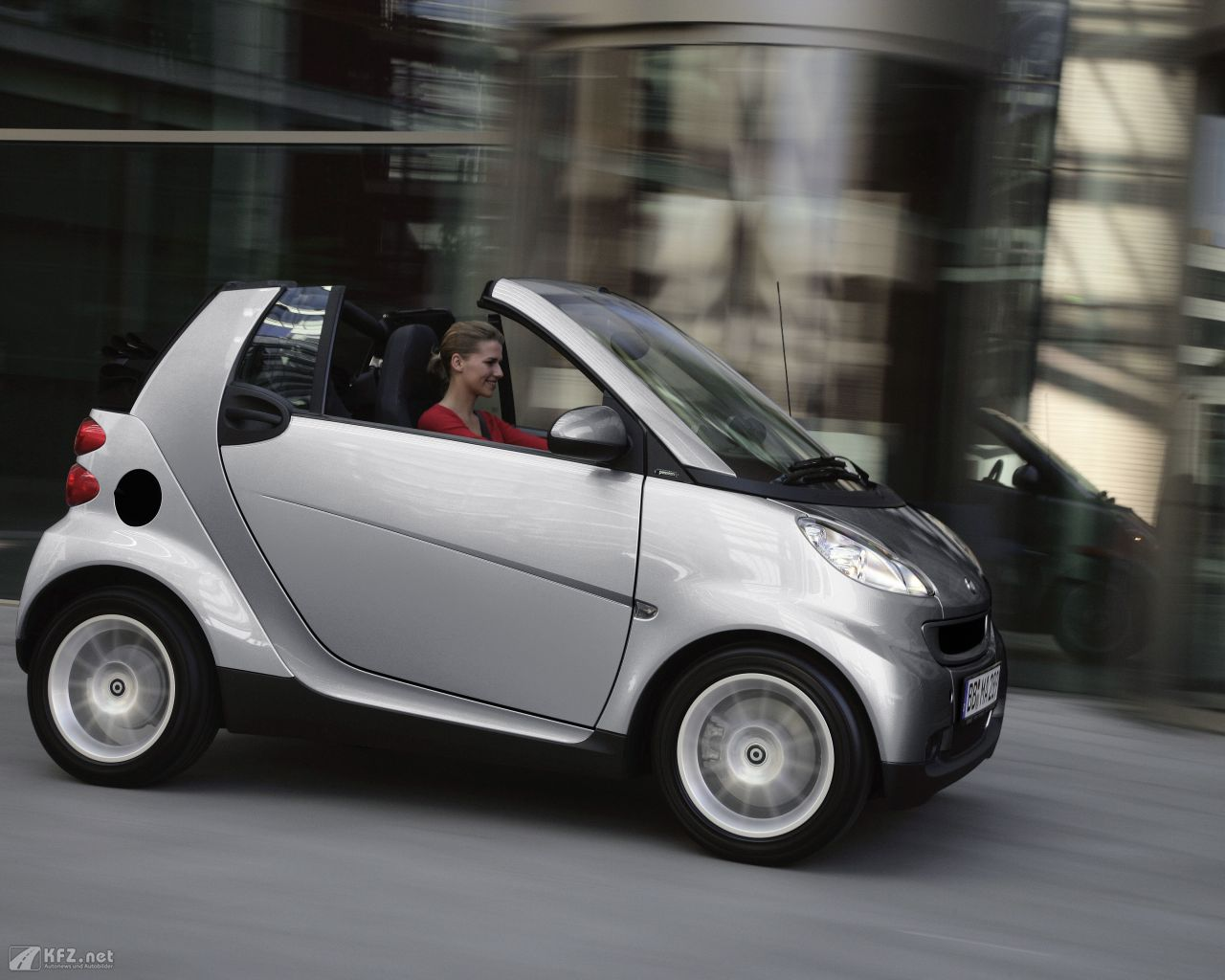 smart-fortwo-1280x1024-14
