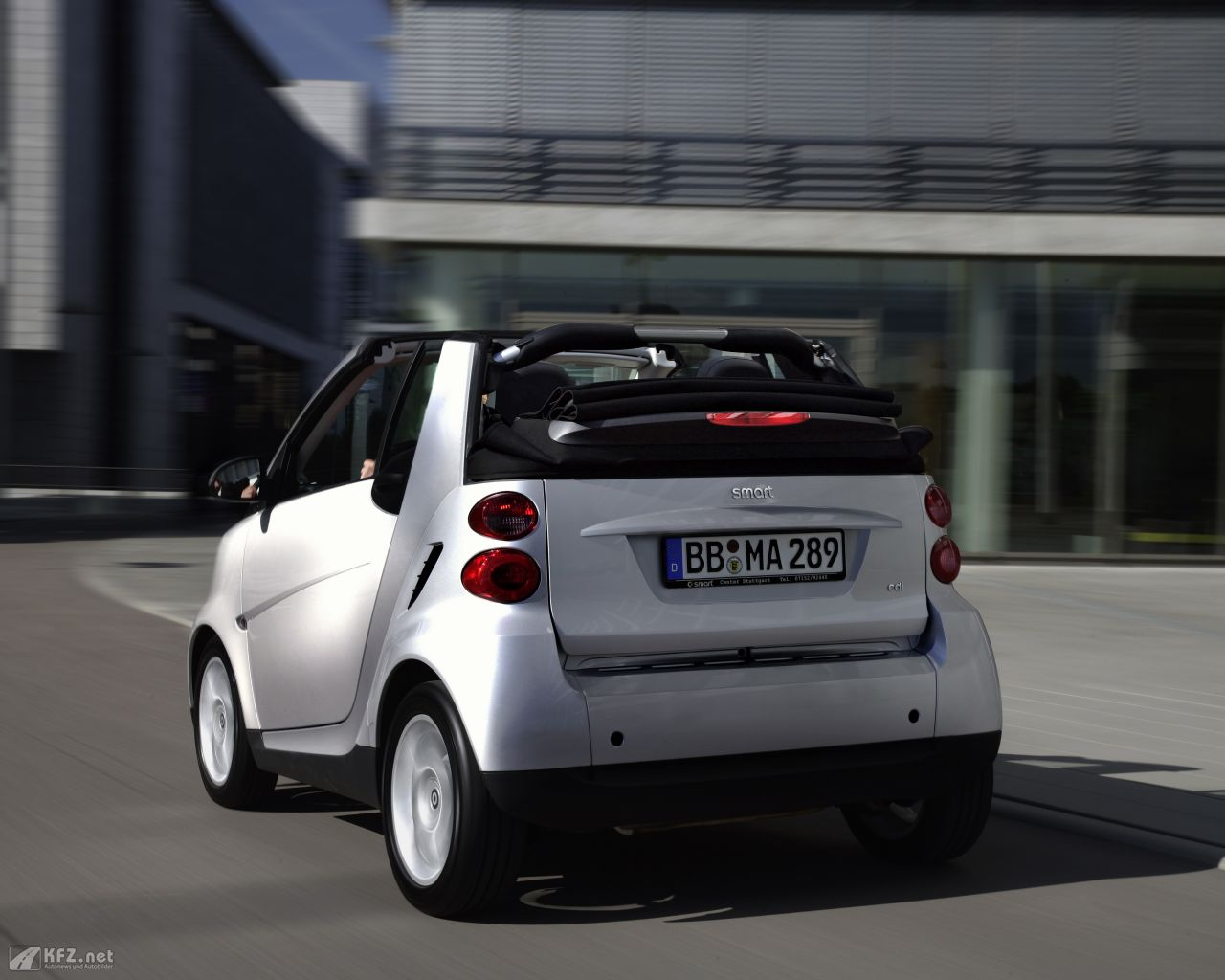 smart-fortwo-1280x1024-15