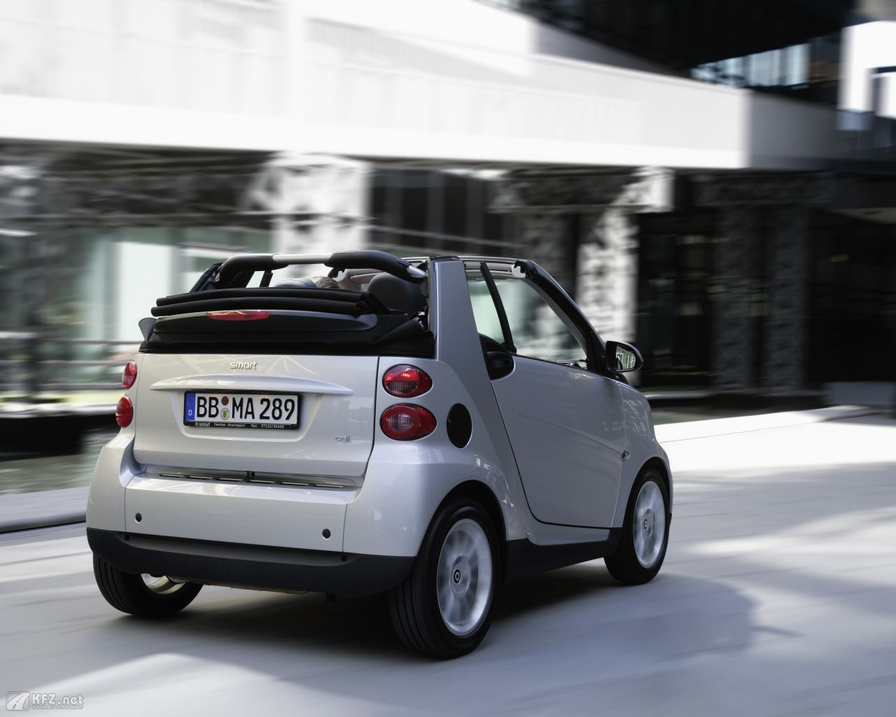smart-fortwo-1280x1024-16