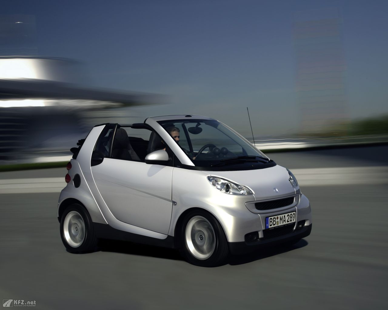 smart-fortwo-1280x1024-18