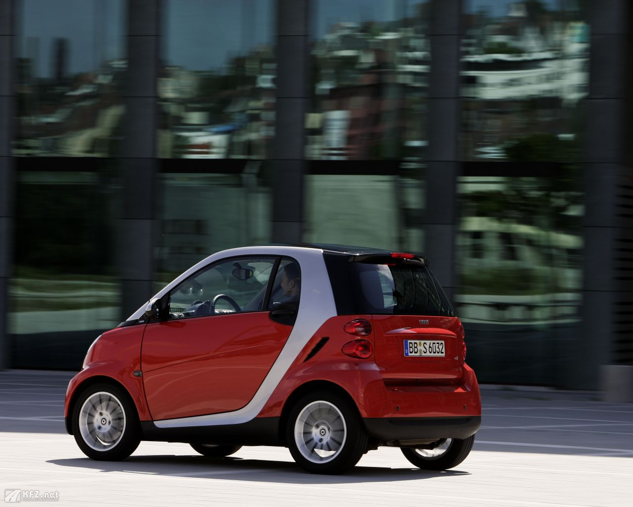 smart-fortwo-1280x1024-4