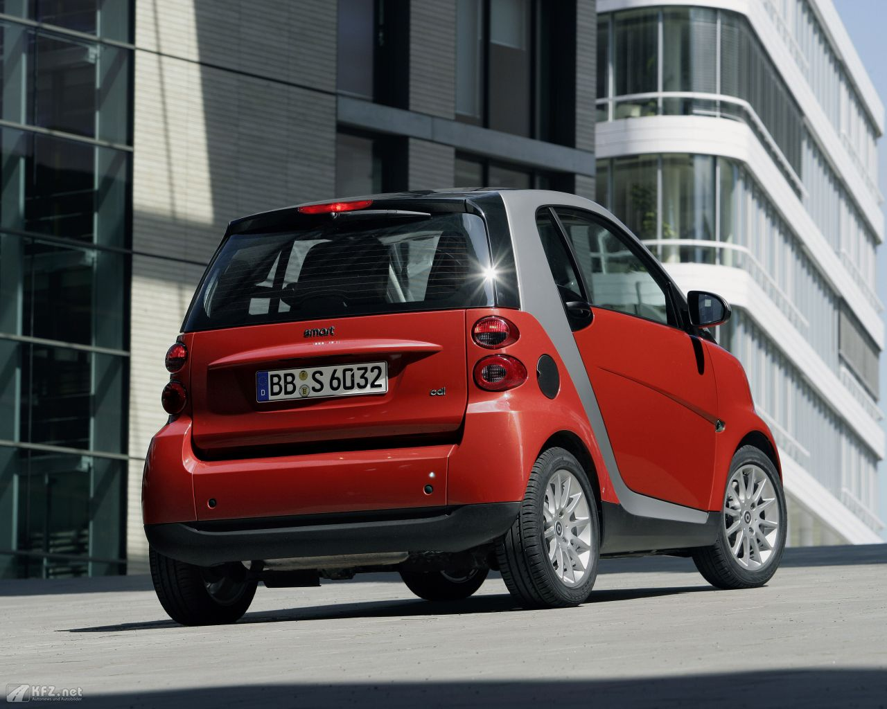 smart-fortwo-1280x1024-6