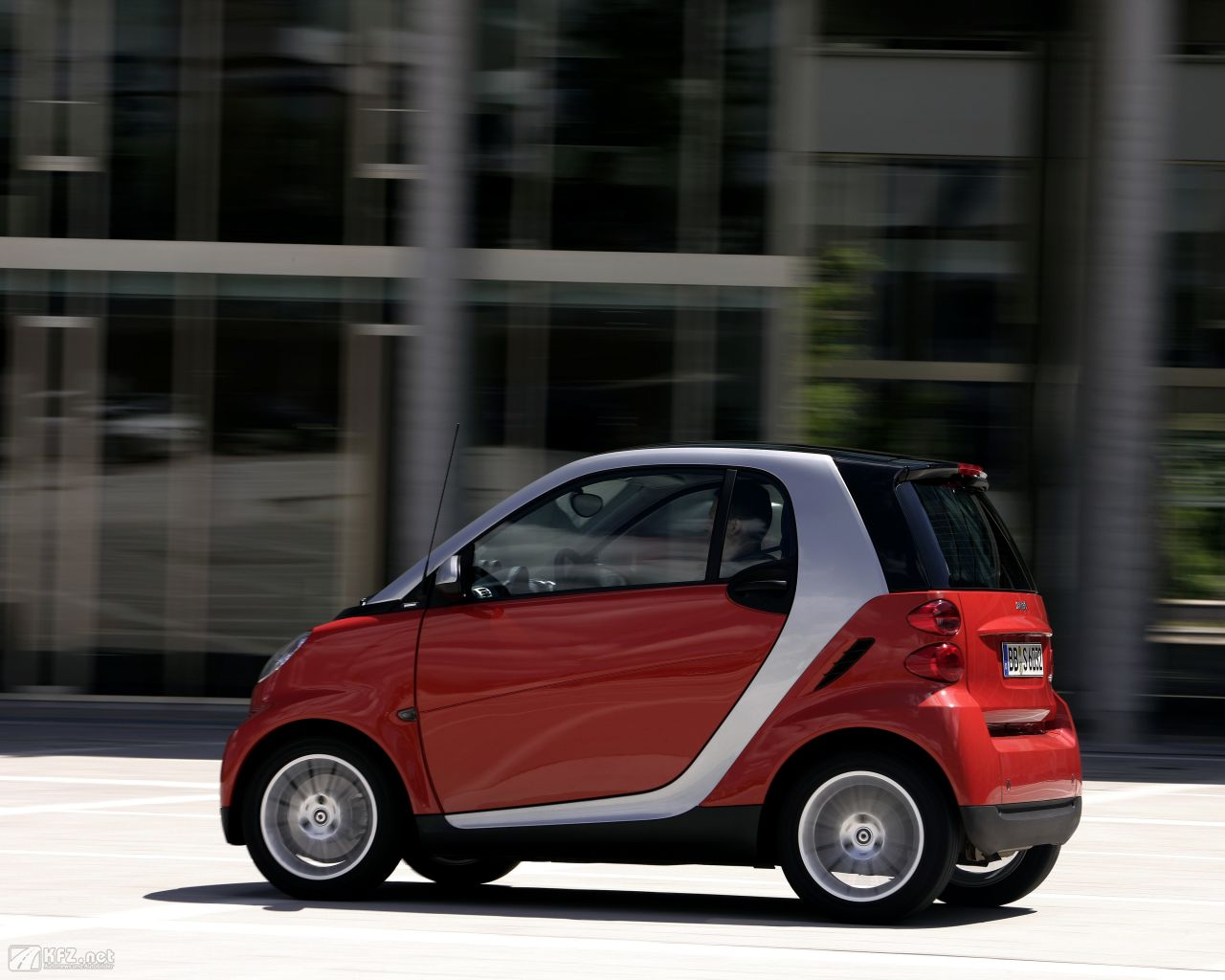 smart-fortwo-1280x1024-8