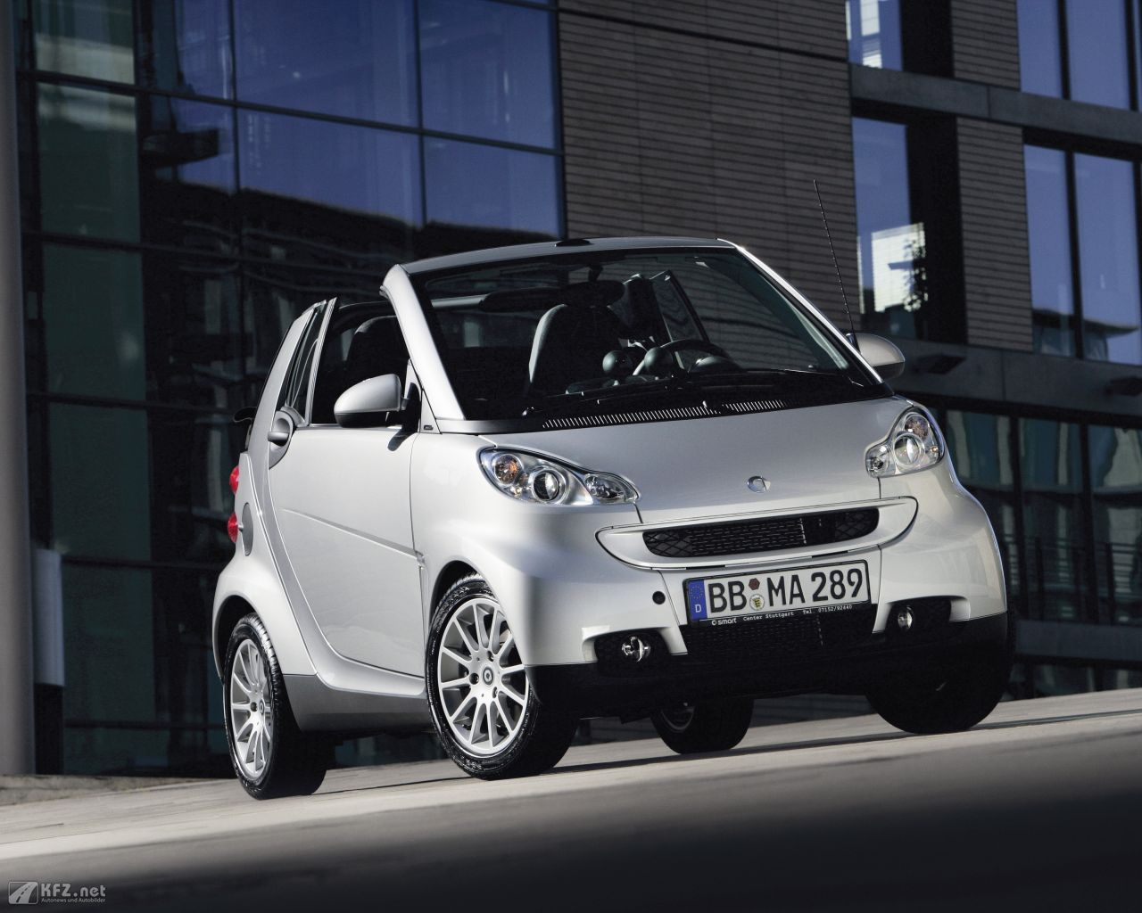 smart-fortwo-1280x1024-9