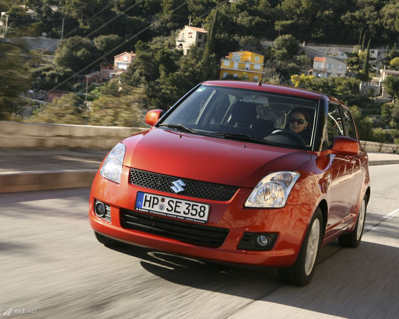 suzuki-swift-1280x1024-11