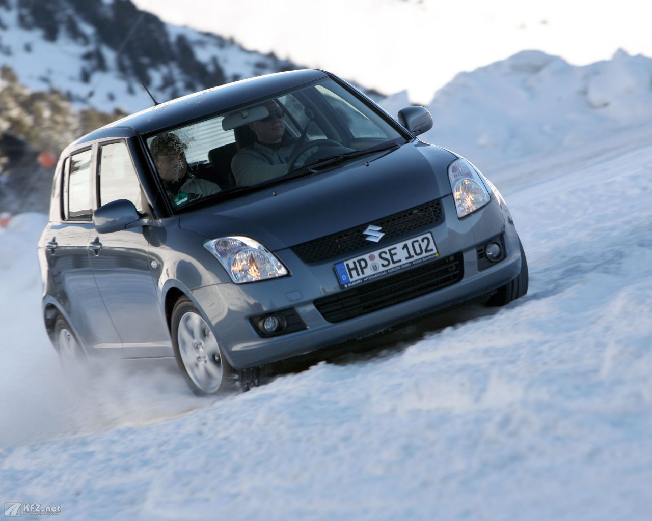 suzuki-swift-1280x1024-19
