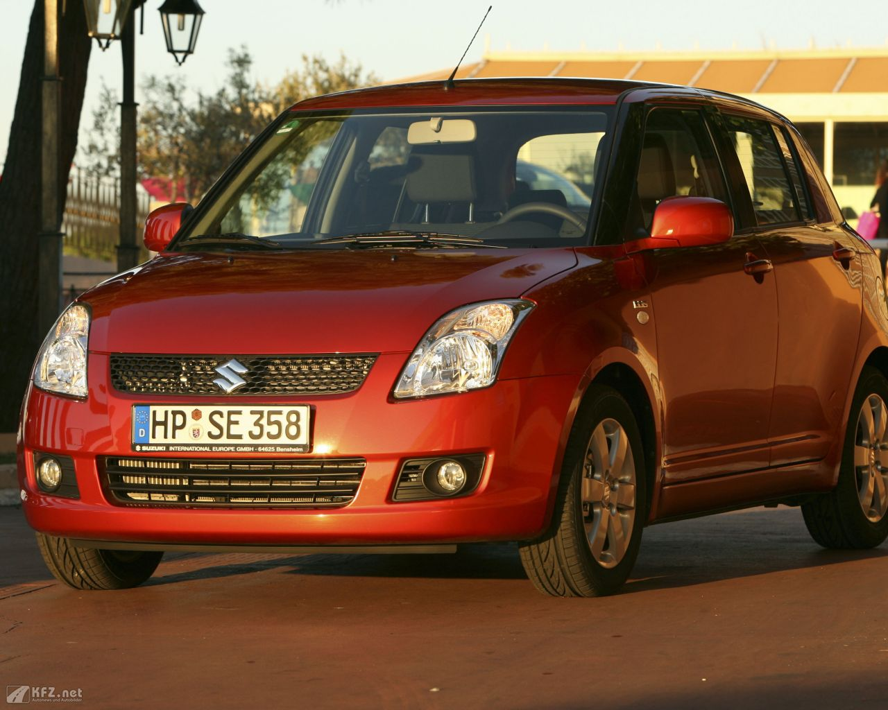 suzuki-swift-1280x1024-5