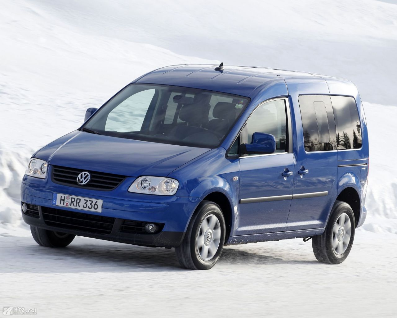 vw-caddy-1280x1024-3