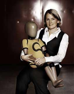 Lotta Jakobsson mit BioRID-Dummy