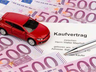 Kfz-Kaufvertrag und Euro-Scheine