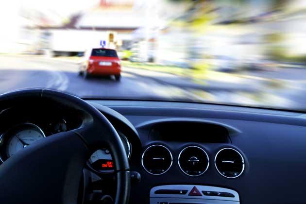 Zu schnelles Fahren in der Stadt