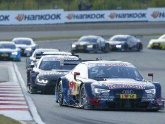 DTM Rennen mit Red Bull Autos