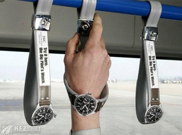 Lustige Buswerbung mit Uhren