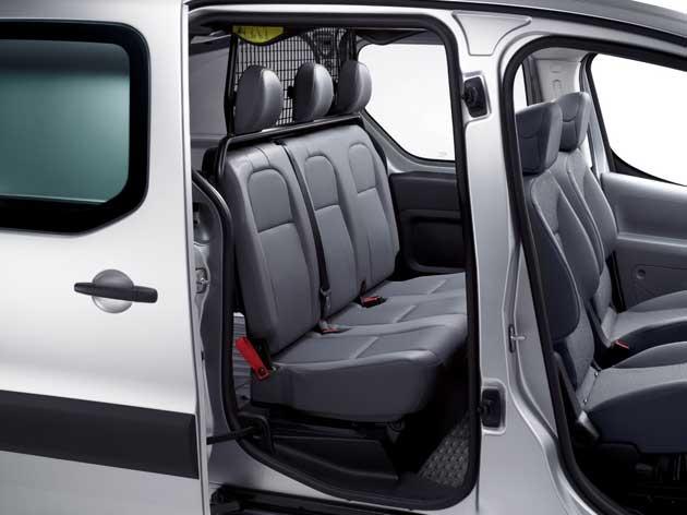 Peugeot Partner zweite Sitzbank