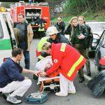 Ersthelfer am Unfallort
