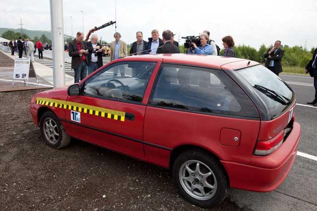 Crashfahrzeug auf dem Testgelände