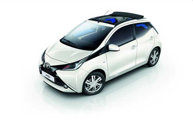 toyota aygo bilder kleinwagen mit front und seitenairbags. Black Bedroom Furniture Sets. Home Design Ideas