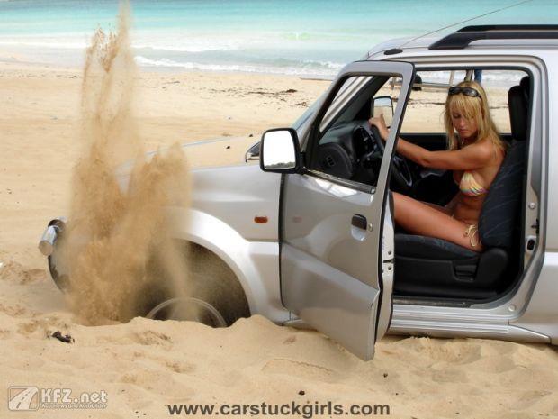 carstuckgirls-14