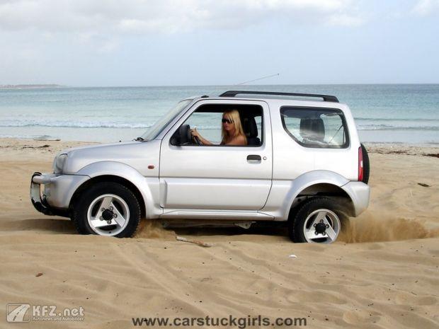 carstuckgirls-3