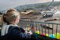 Foto Vierjährige steuert Volvo-18 Tonner