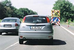 Auto im Reißverschlussverfahren