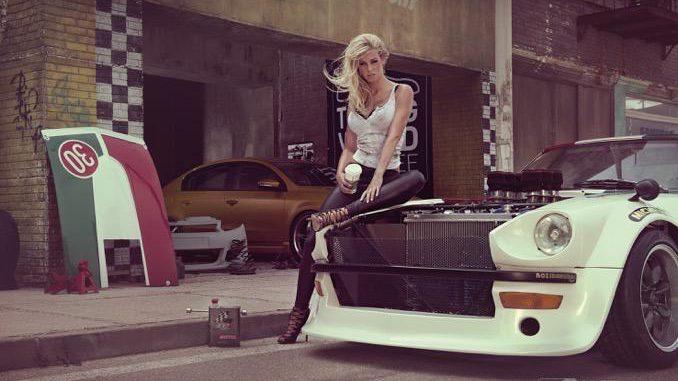 """Etyekwood – Korda Studios; Auto: Datsun 360Z, VW Passat. Der Korda Filmpark befindet sich etwas außerhalb von Budapest und ist auch Drehort der erfolgreichen TV-Produktionen """"Die Borgias"""" oder """"Tore der Welt"""". Das Motiv entstand am Originalset des Hollywood-Films """"Hellboy 2 – die goldene Armee""""."""