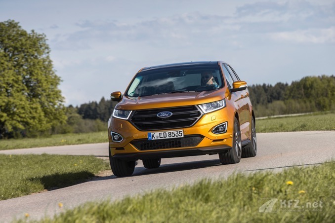 Ford Edge in voller fahrt
