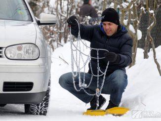 Schneeketten montieren