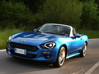 Fiat 124 Spider Blau Metallic
