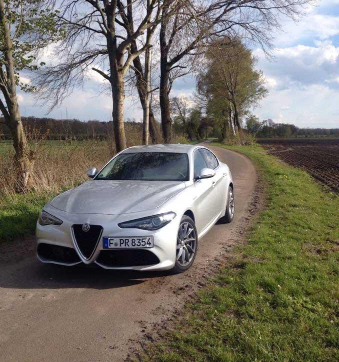 Alfa Romeo Giulia Foto