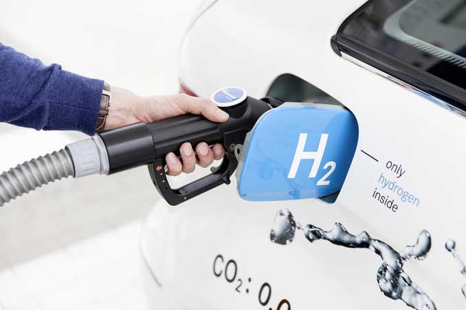 Foto: Brennstoffzelle wird betankt