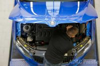 Foto: Adac Motorraum Inspektion