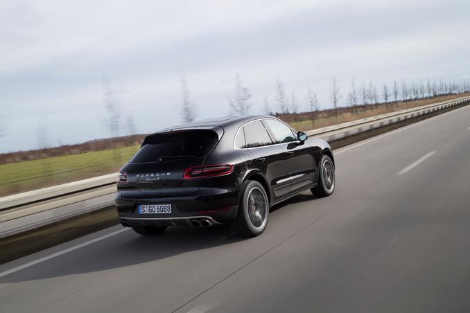 Porsche Macan Heck in schwarz
