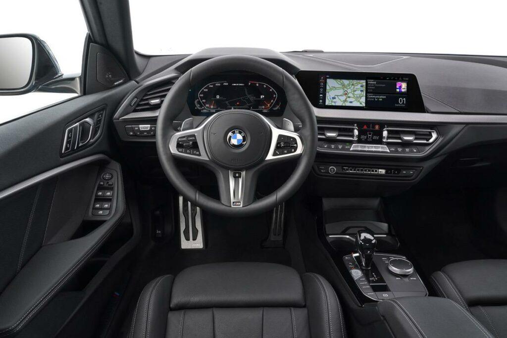 BMW 2er Cockpit