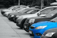 Günstiger blauer Gebrauchtwagen