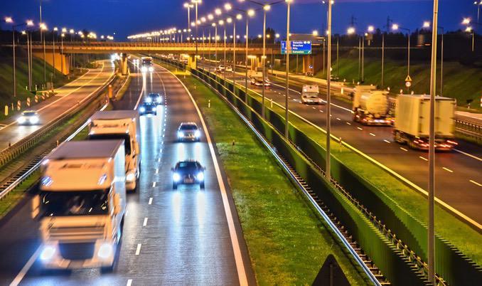 LKW Nachtfahrt